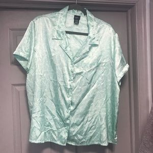 Other - 2X Pajama Top. Silky. Must Bundle